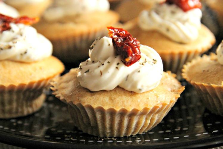 Cupcake salé tomates séchées olives et fromage de chèvre