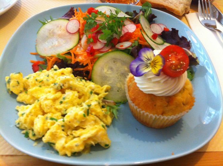 Laureline's corner - Cupcake asperge tomate et parmesan - Oeufs brouillés aux herbes