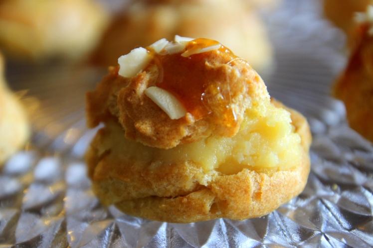 Blog-cuisine-Lyon-Choux-creme-calisson-dessert-patisserie-lait-coco-revelations-gourmandes