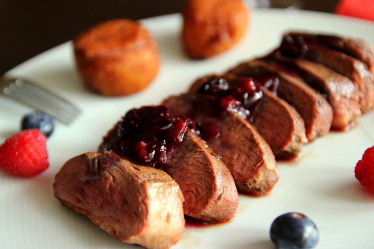 Blog_cuisine_lyon_magret_canard_sauce_myrtille_poivre_cassis_point_gourmet_fetes_repas