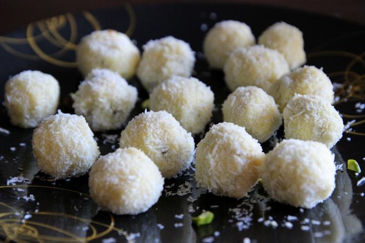 Truffes-blog-cuisine-lyon-chocolat-blanc-pistache-coco-noel-bonbons