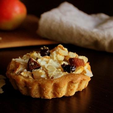 Blog-cuisine-lyon-tarte-briochee-pommes-amandes-abricots-cranberries-recette-gateau-sain-dietetique