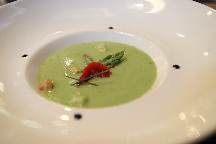blog-cuisine-lyon-restaurant-borgia-caluire-entree-gaspacho-asperge-coco-terrasse