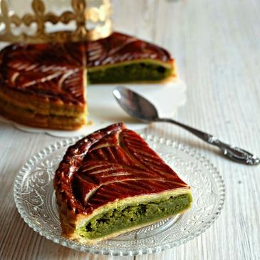 blog-lyon-cuisine-galette-rois-epiphanie-ourson-qui-boit-the-matcha-couronne