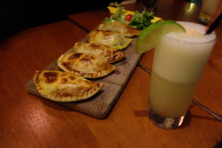 Blog-Lyon-restaurant-Macanudo-argentin-empanadas