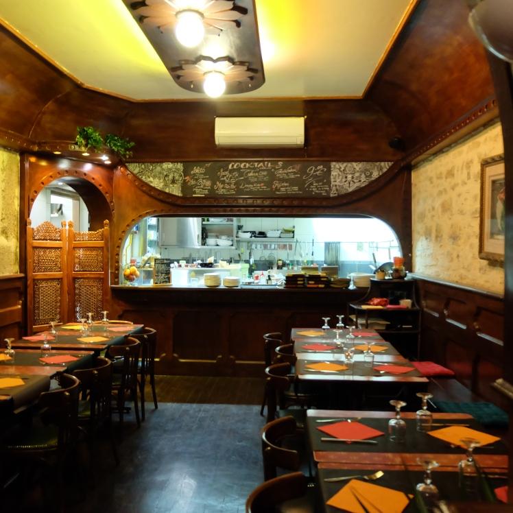 Blog-cuisiine-Lyon-Mumbai-cafe-cocktails-tapas-restaurant-bar-cadre