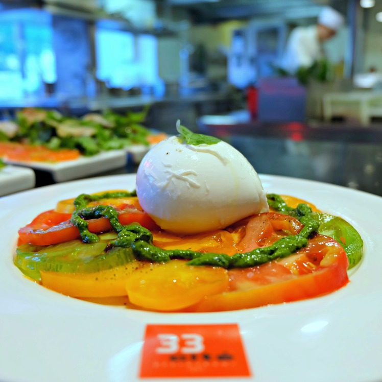 Restaurant-Lyon-blog-33-cite-internationale-burrata-Berthod-tomates-carpaccio