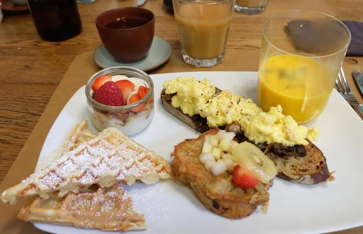 blog-lyon-toru-salon-the-pente-croix-rousse-hotel-ville-patisseries-gateaux-bonnes-adresses-cuisine-chef-local-vegetarien-brunch