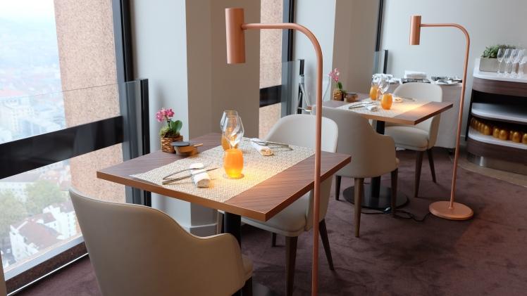 blog-restaurant-lyon-cuisine-vue-cadre-tour-chic-gastronomie-bonne-adresse