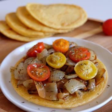 Blog_Lyon_cuisine_recette_Socca_Nice_nicoise_specialites_revisitee_pissaladiere_tomates_thym