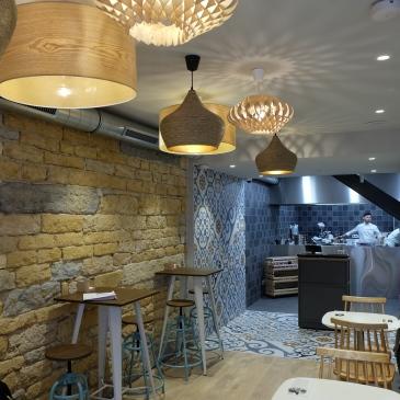 Cousbox-Couscous-Lyon-salon-the--restaurant-nouveau-vegetarien-deco-Cadre