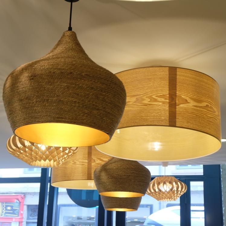 Cousbox-Couscous-Lyon-salon-the--restaurant-nouveau-vegetarien-deco-Cadre-resto-gateaux-arabes-oriental-lampe