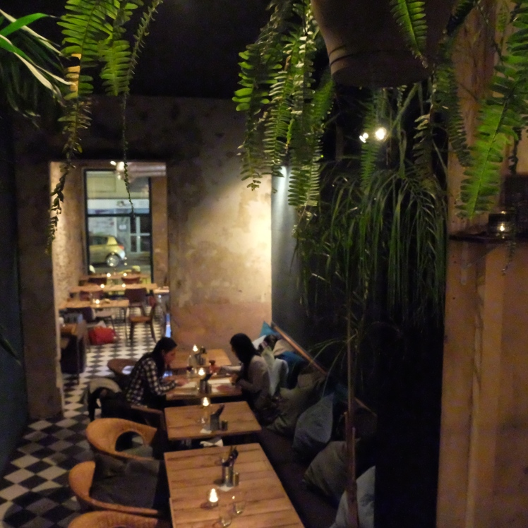 Lyon_blog_bar_restaurant_salle_ambiance_foret_tropicale_cocktails