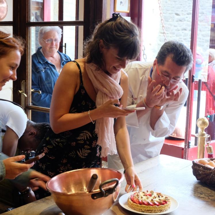 Blog-Lyon-Restaurants-Recette-cuisine-Mere-Poulard-Mont-Saint-Michel-Tartelettes-Desserts-Chocolat-Deliberation-MOF_Cyrielle-Gourmandise